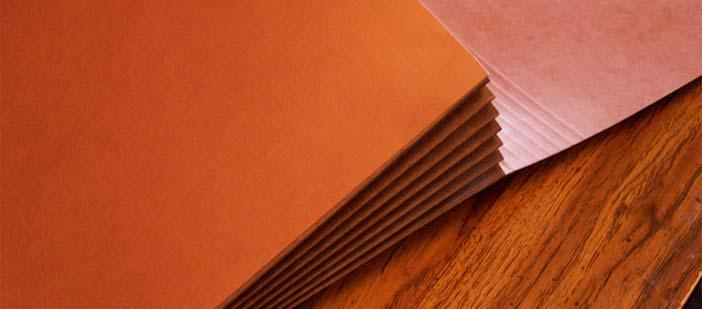 Hallar inspiración en cuaderno de recortes